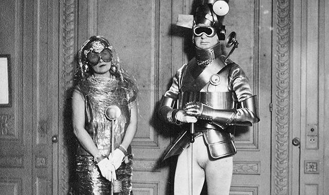 Intergalactic-Art-Bash_great-costume-from-1922